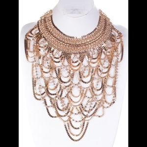 CHAIN DROPING BIB NECKLACE